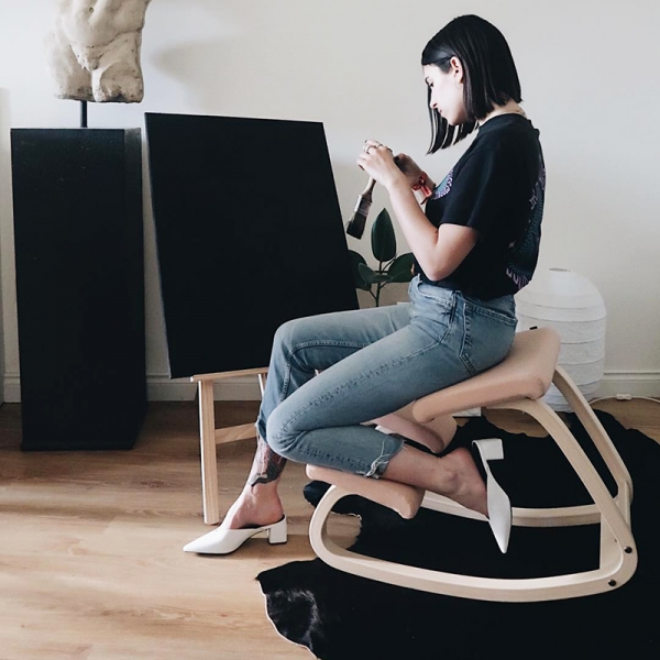 Chaise de bureau ergonomique à bascule en tissu saumon - Variable Varier® - 2