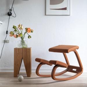 Chaise de bureau ergonomique à bascule en tissu - Variable Monochrome Varier®