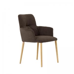 Chaise avec accoudoirs style cocooning en tissu et pieds bois - Aura Mobitec®