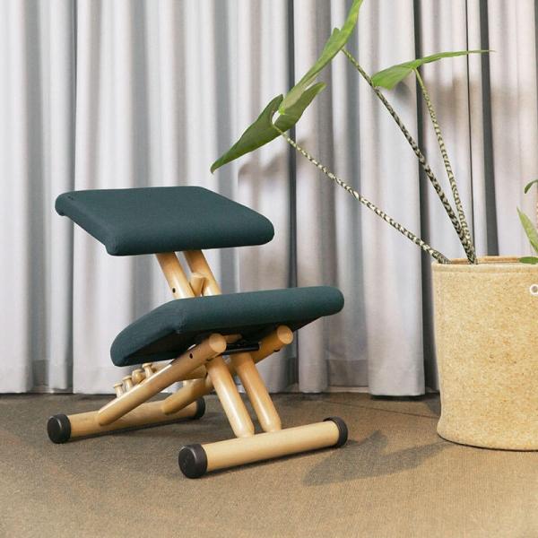Siège de bureau ergonomique en tissu vert et bois - Multi Varier® - 1