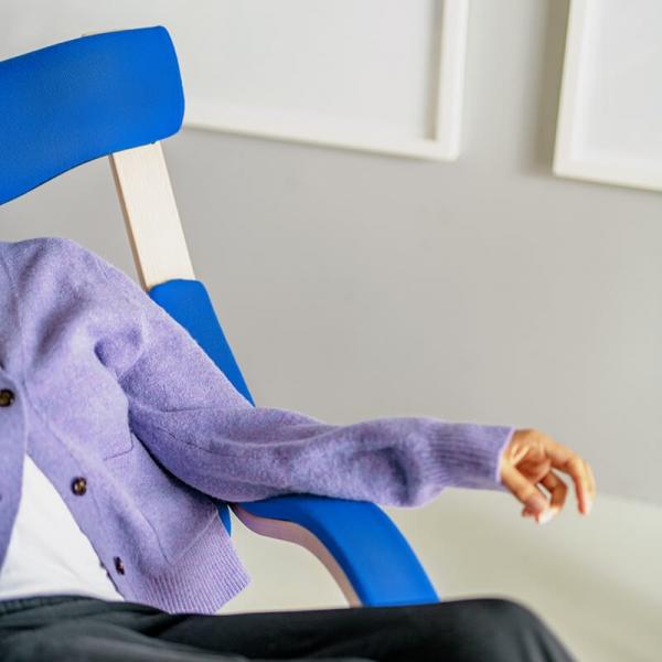 Fauteuil ergonomique à bascule bleu- Gravity Varier® - 5