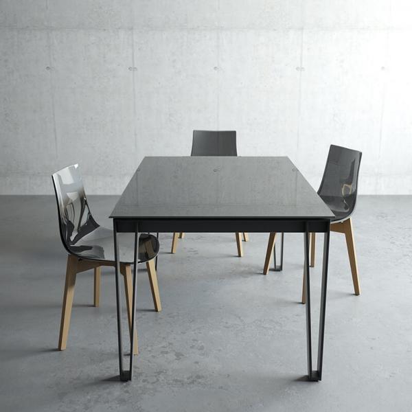 Table en verre de salle à manger design - 1