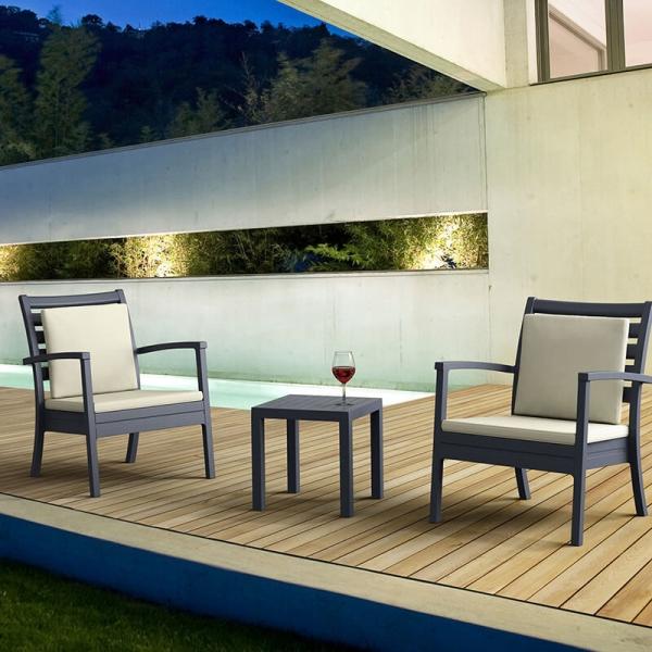 Table de jardin carrée en résine - 4