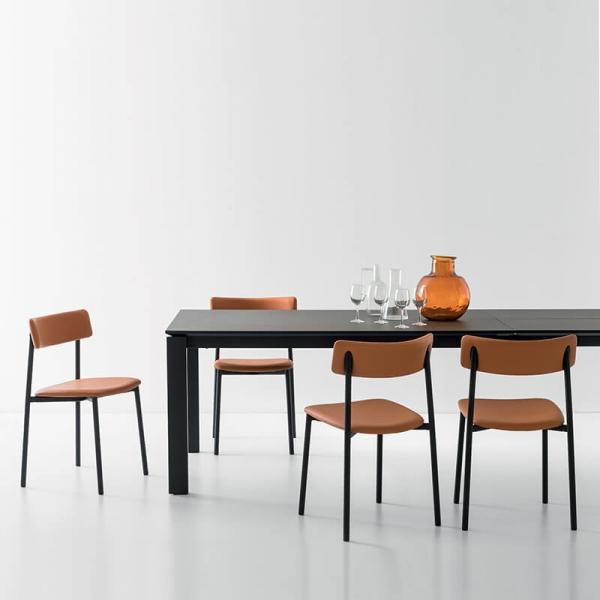chaises rembourrées pieds métal Up Connubia® - 1