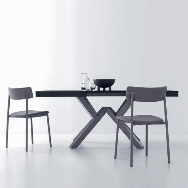 chaise rembourrée grise et pieds métal  - 27